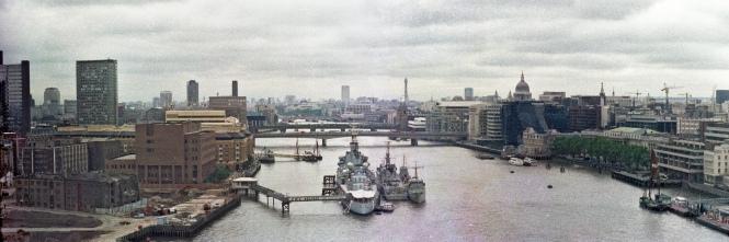 River_Thames_and_buildings_West_of_Tower_Bridge_Walkway_1988_alt_scan