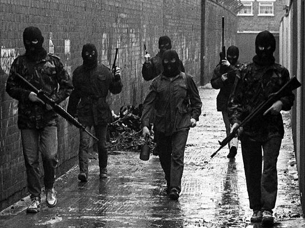 belfast-ira-men-on-patrol-with-new-drogue-bomb-in-1987