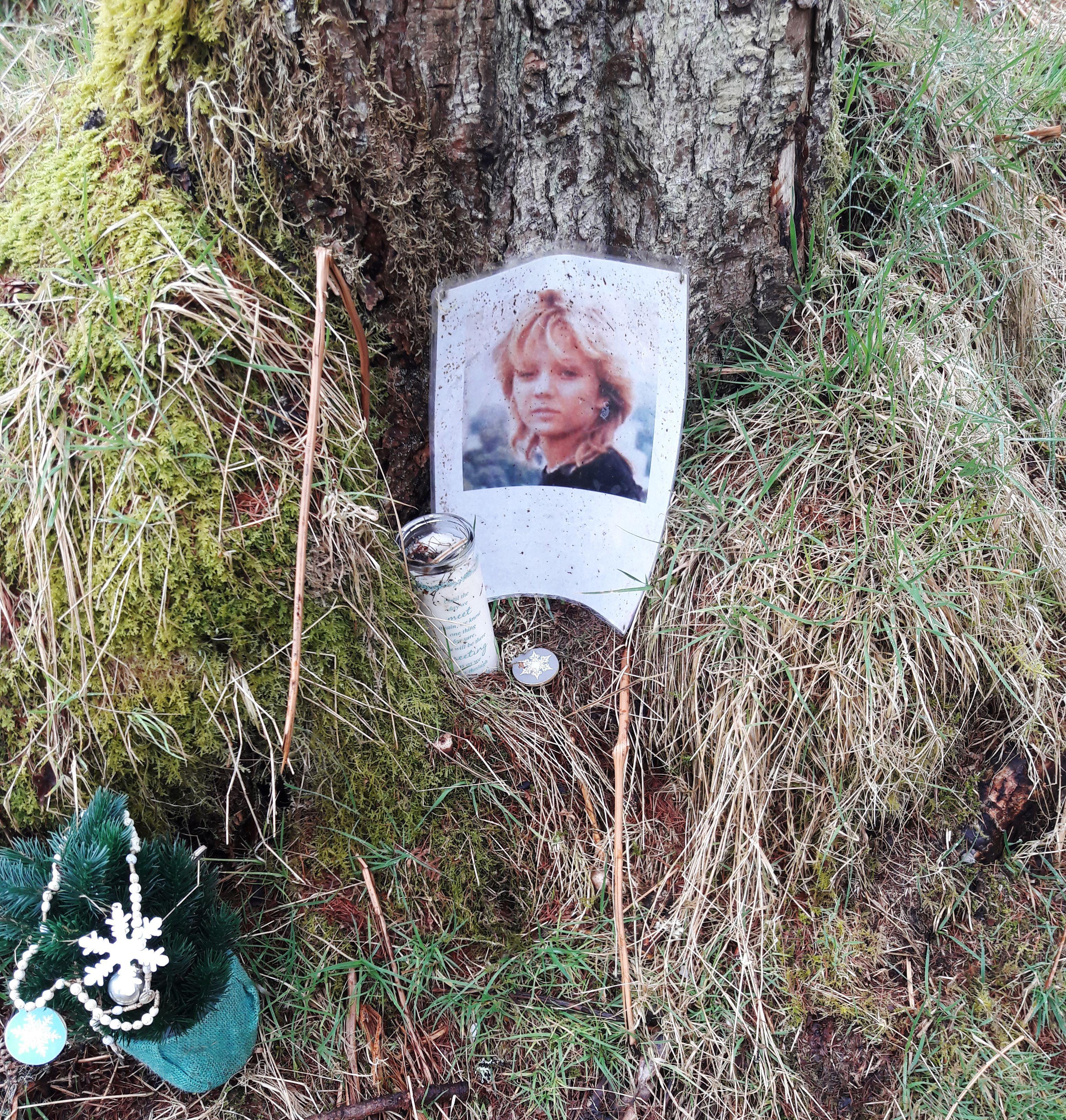 Inga makeshift memorial (cropped)