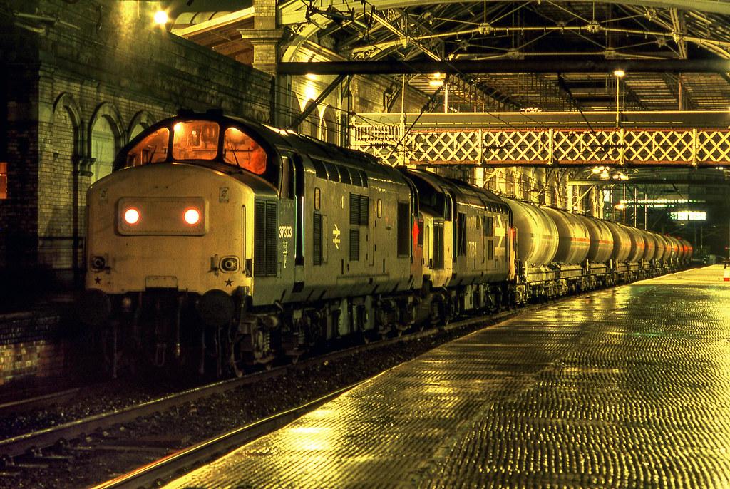 Preston station at night, Feb 3rd 1988